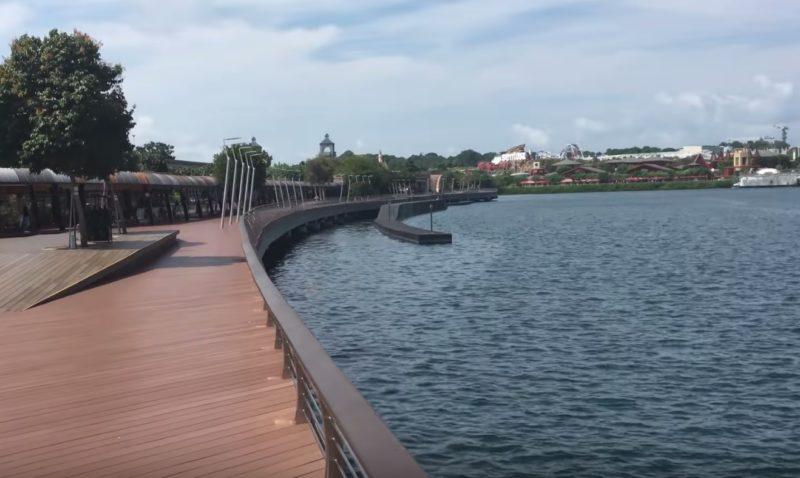 シンガポールからセントーサ島へ徒歩で行けるセントーサボードウォーク