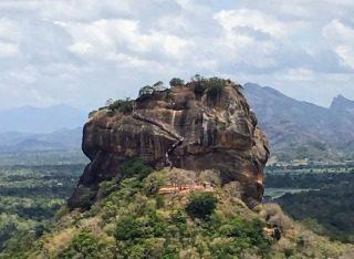 ピドゥランガラロックから見たシーギリヤロック