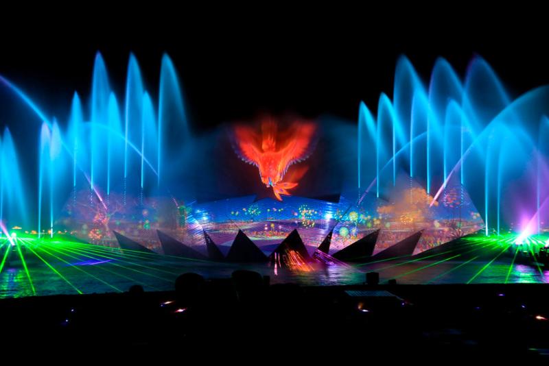 光と水のショー「ウィングスオブタイム」のクライマックス