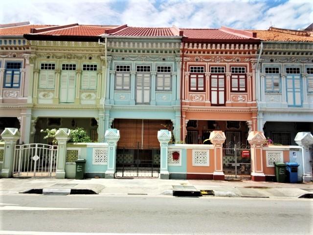 シンガポールの観光スポット カトン地区のカラフルな家