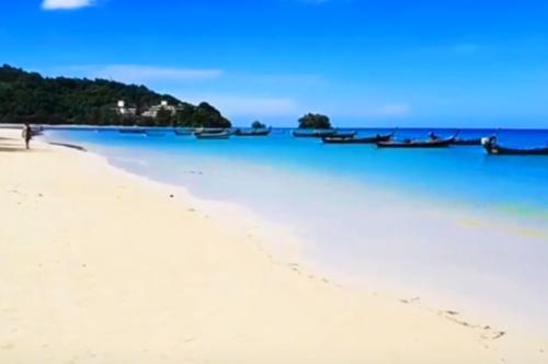 タイプーケットのビーチ
