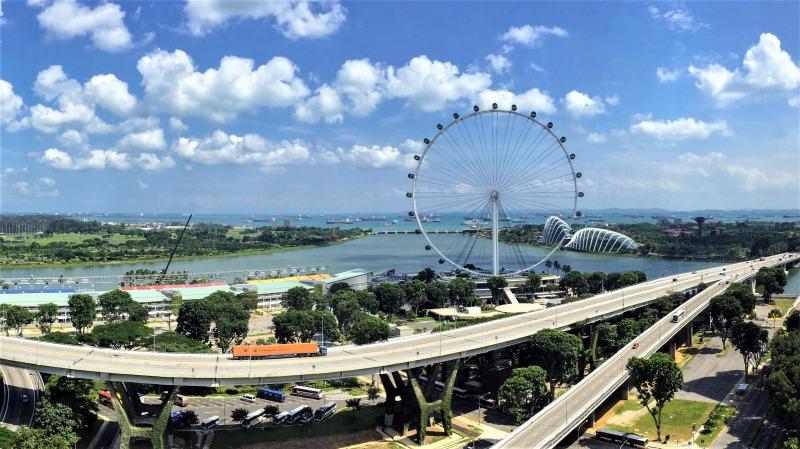 シンガポールの観光スポット シンガポールフライヤーを中心にした景色