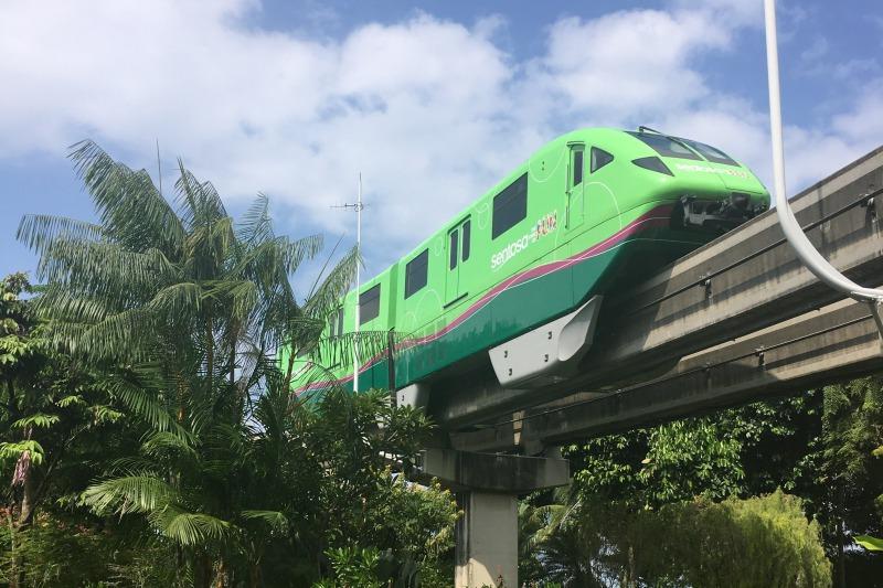 シンガポールセントーサ島のモノレール