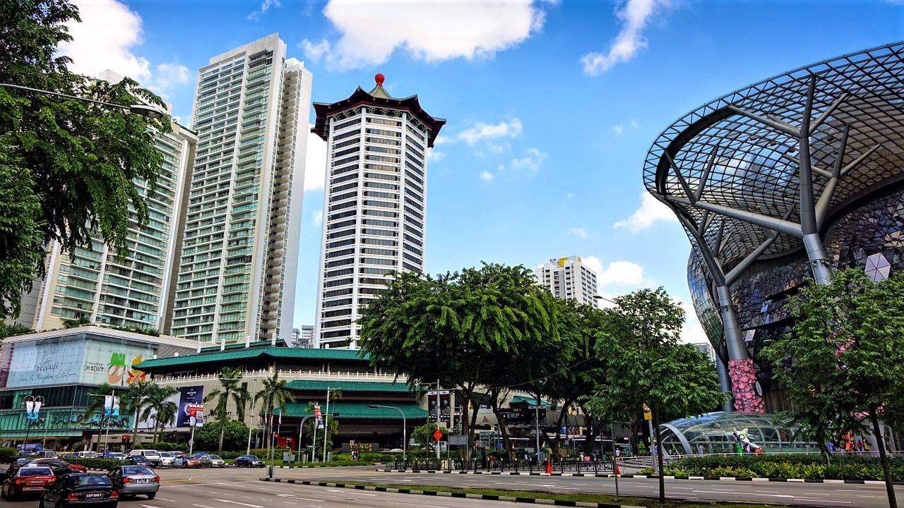 シンガポールの観光スポット オーチャードでショッピング