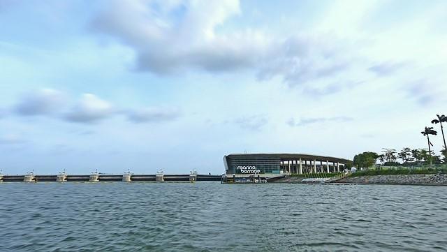 シンガポール マリーナラバージ シンガポール湾を淡水にかえる仕組み