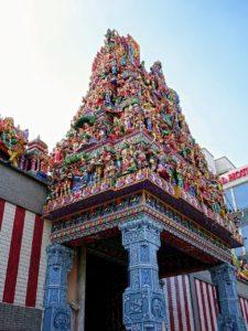シンガポールの観光スポット スリ・ヴィラマカリアマン寺院