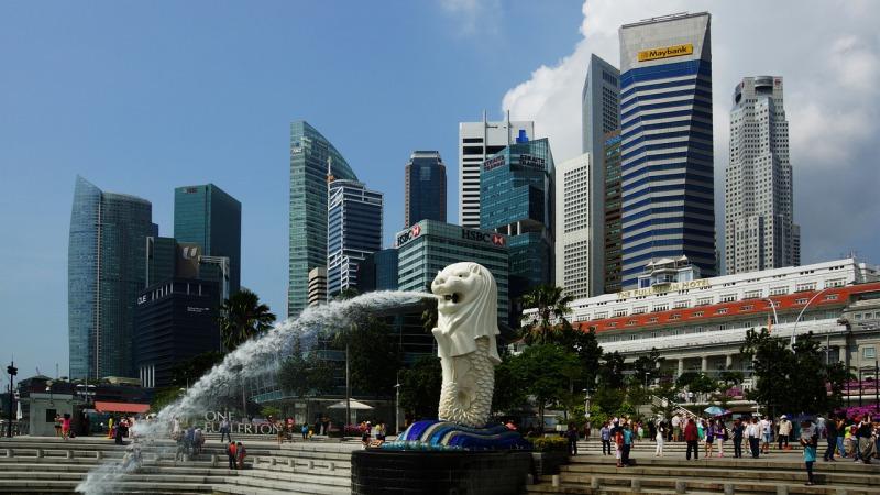 シンガポールの象徴マーライオン像