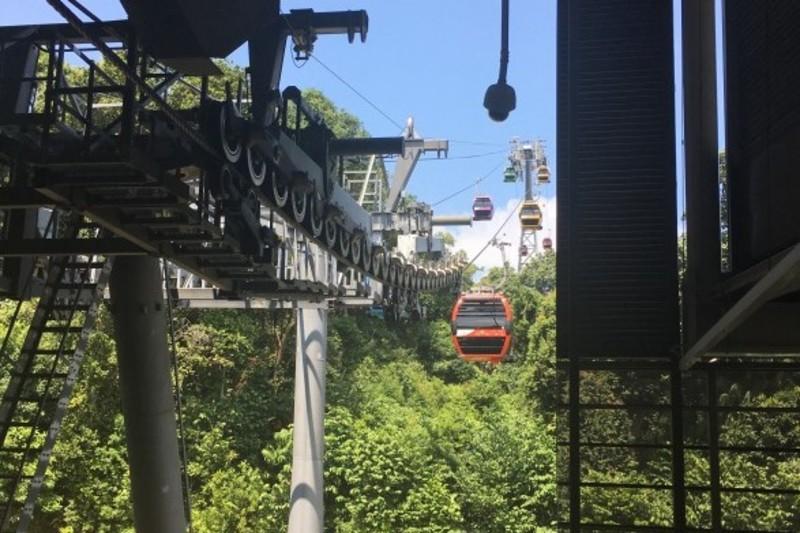 シンガポールケーブルカー ジャングルを走るセントーサライン