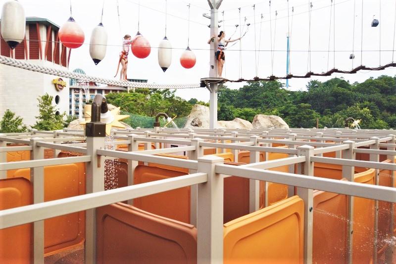 シンガポールのプールにあるMaze