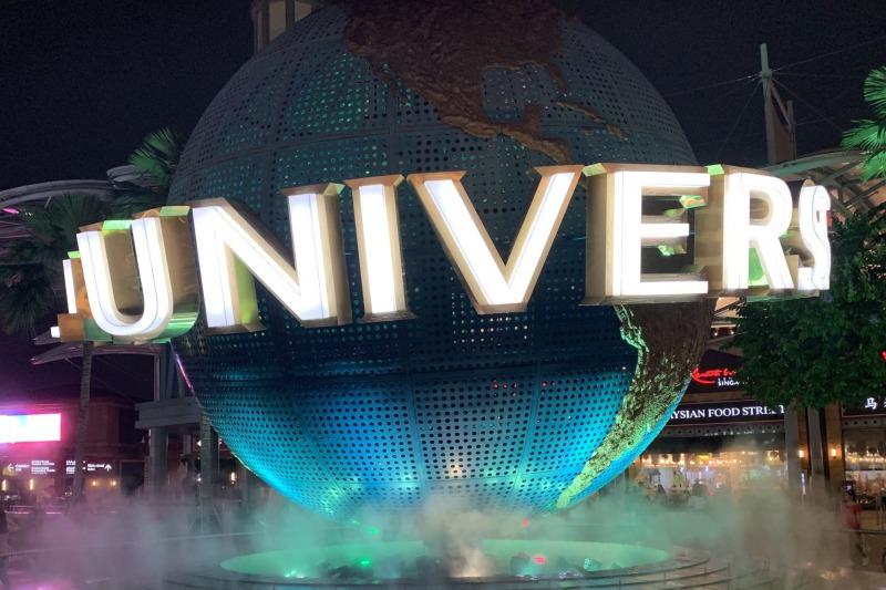ユニバーサルスタジオシンガポール 地球儀のライトアップ