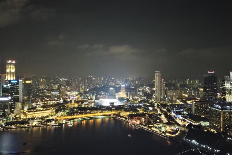 シンガポールリバーからシンガポール湾にかけての夜景
