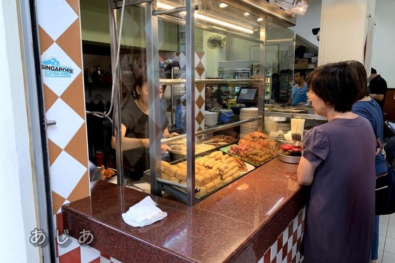喜園咖啡店(YY Kafei Dian)のビーフン売り場のカウンター