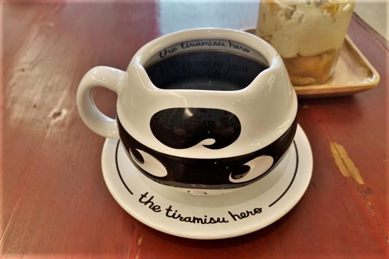 ティラミスヒーロー本店のコーヒーカップ