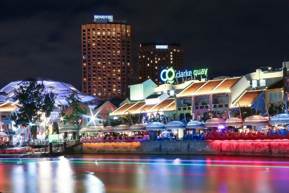 クラークキーのボート乗り場(夜)