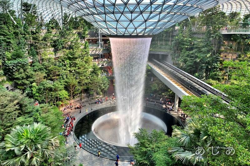 シンガポール空港ジュエルの展望デッキ