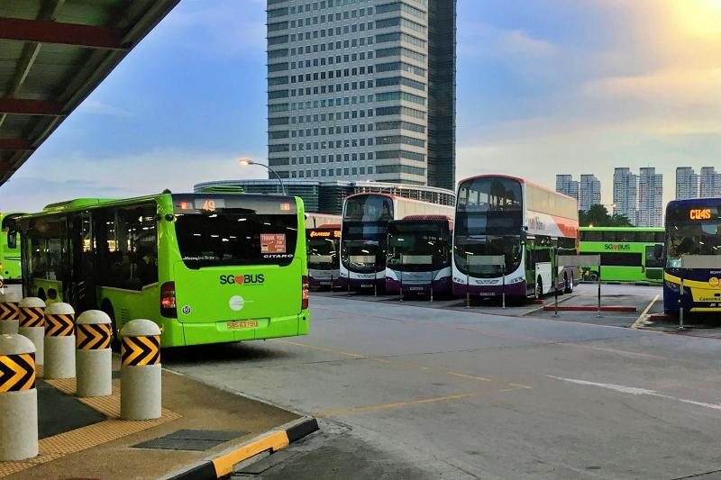 シンガポールのバスターミナル