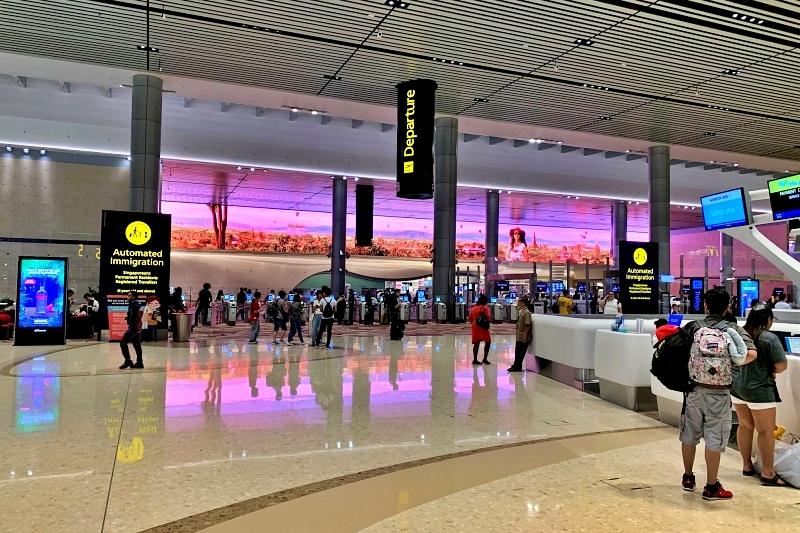 singapore changi airport terminal 4 Immersive Wall