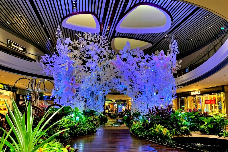 singapore changi airport terminal 4 スチールインブルーム(Steel in Bloom)
