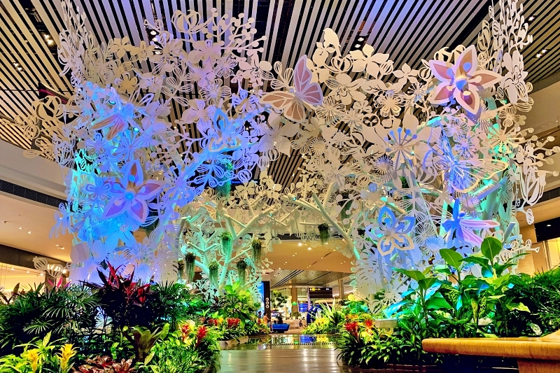 singapore changi airport terminal 4 スチールインブルーム(Steel in Bloom)裏面